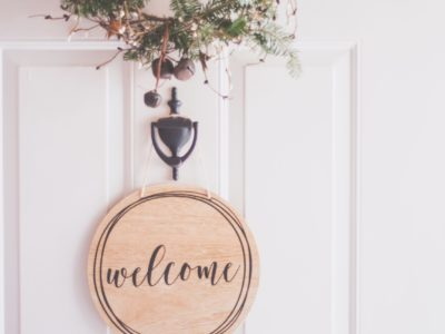 brown-wooden-welcome-wall-decor-1652402